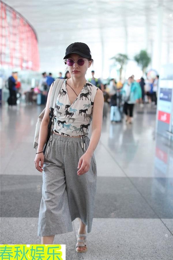 Dù đã U50nhưng'Như Ý' Châu Tấn vẫn gây ấn tượng bởi gu thời trang tuổi18 13