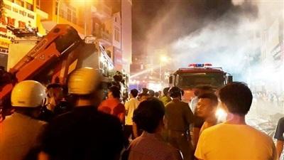 TP Thanh Hóa: Nhiều căn nhà bùng cháy lớn trong đêm 14