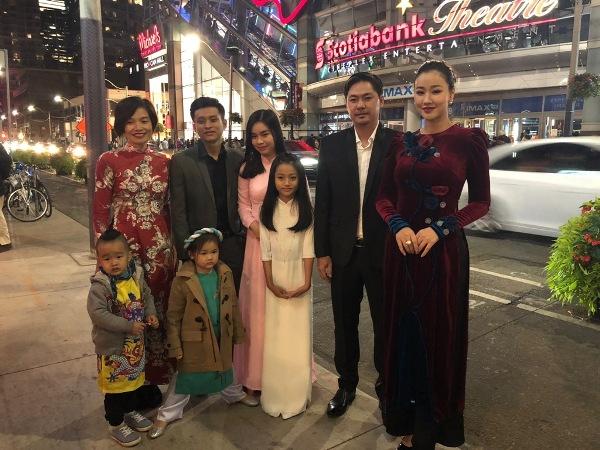 Maya cùng con gái lên nhận giải Phim xuất sắc nhất châu Á tại LHP Toronto 4
