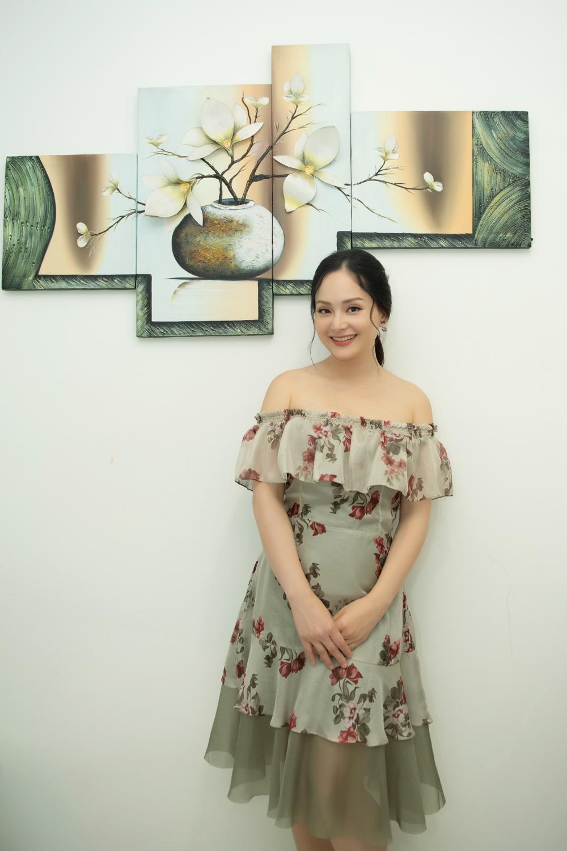 Lan Phương đã sẵn sàng trở lại với các hoạt động nghệ thuật sau khi sinh con 5 tháng.