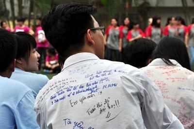 Cũng nhờ có chiếc áo 'thần thánh' mà ai đó đã bày tỏ được tình cảm của mình.