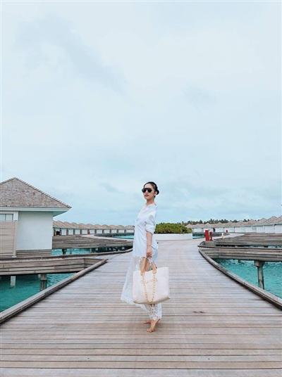 Trang Pilla còn tự tin thả dáng ở thiên đường Maldives.