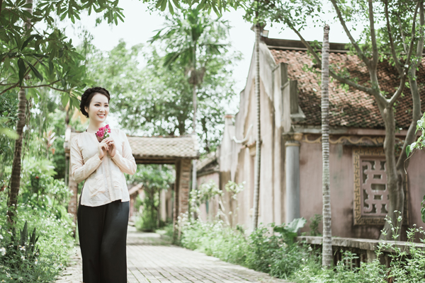 Sau thời gian dài chữa bệnh, Á hậu Thụy Vân bất ngờ tung MV ca nhạc 5