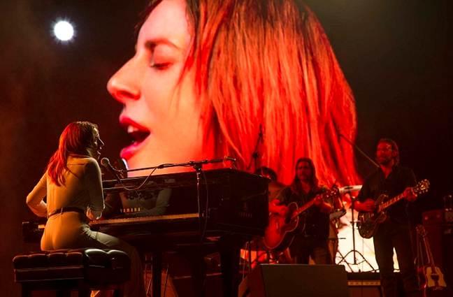 Tạm gác sự nghiệp âm nhạc lẫy lừng, Lady Gaga 'tỏa sáng' trên màn ảnh rộng 3
