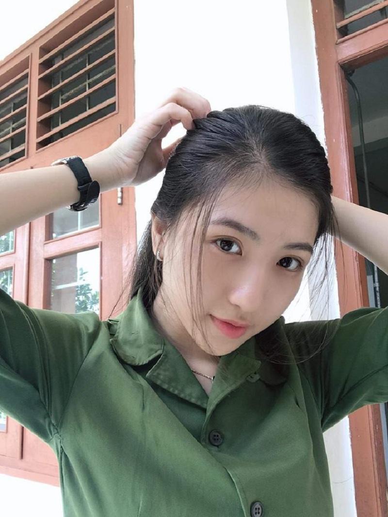 Huỳnh Khả Vy - sinh năm 1999 hiện đang học Đại học Y dược Cần Thơ