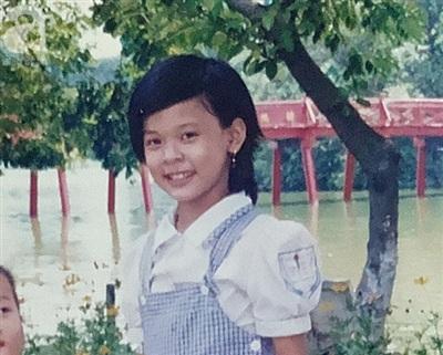 Bức ảnh rõ mặt nhất của Thu Trang hồi 9 tuổi.