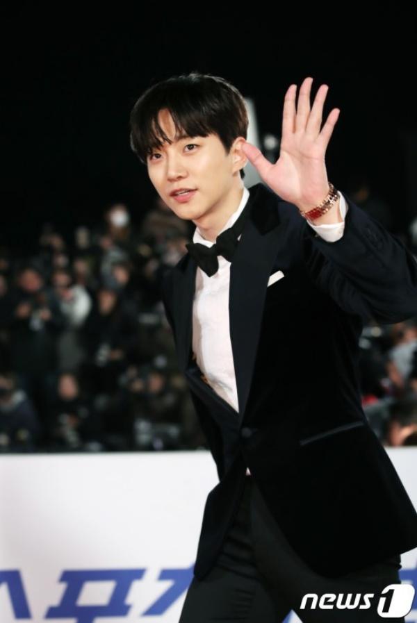 Dù chỉ mới tấn công màn ảnh rộng gần đây, song Junho (2PM) đã nhận được phản hồi tích cực từ khán giả