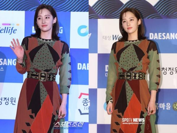 Là một trong những gương mặt mới được chú ý của năm nay, Jeon Jong Seo nghiễm nhiên nhận được sự quan tâm không hề nhỏ từ phía truyền thông. Nhưng điều quan trọng nhất là gì? Là cuối cùng cô nàng cũng chịu... cười khi chụp ảnh!