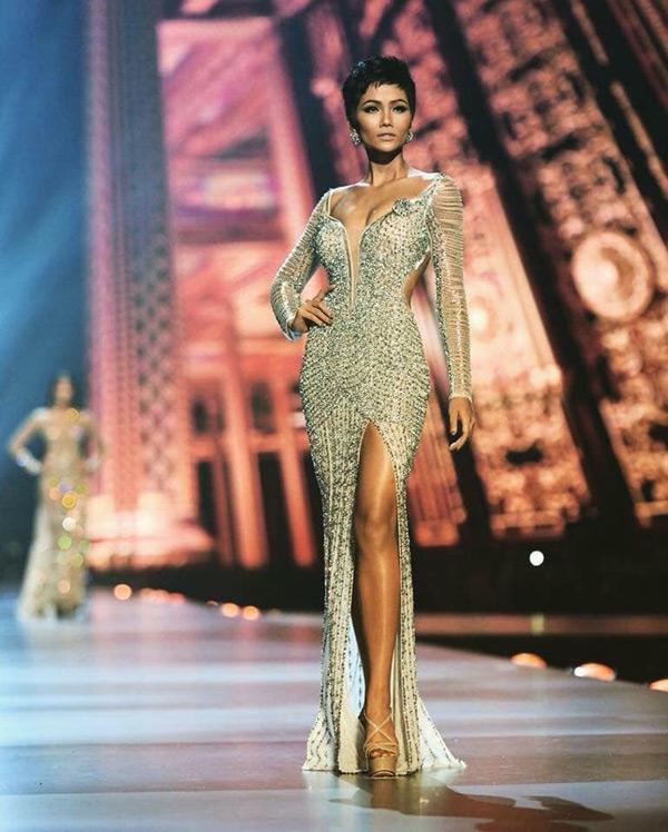 Thành tích top 5 Miss Universe của H'Hen Niê nhận được nhiều lời chúc mừng từ người hâm mộ.