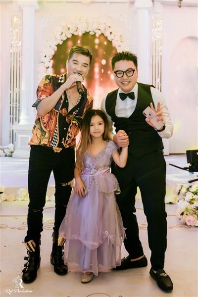 Đàm Vĩnh Hưng xuất hiện trong đám cưới với sân khấu được đầu tư 5 tỷ đồng ở Hưng Yên 13