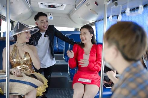 Hot girl Trâm Anh bị 'ném đá' là quá 'hám fame' khihoá 'hoa hậu bánh mì' H'Hen Niê 2