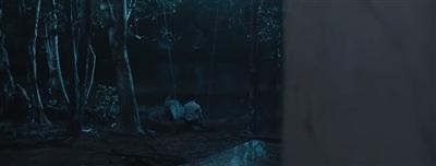 'Chị ơi, em lạnh quá'... Tiếng cậu bé than thở một cách đầy thảm thương đã khiến Huy Khánh tức tốc bỏ chạy thục mạng.