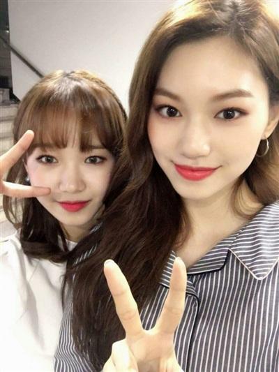Doyeon, Yoo Jung cũng không nhận được sự chú ý nào với Weki Meki