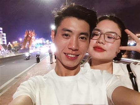 2 nhân vật chính Phạm Đạt - Bảo Trâm trong câu chuyện yêu xa đang nhận được bão likes trên mạng