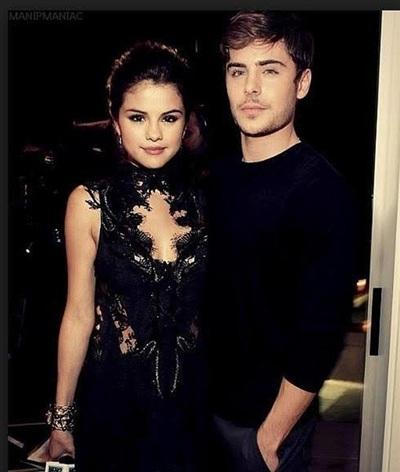 Selena Gomez và Zac Efron đẹp đôi khi đứng cạnh nhau.