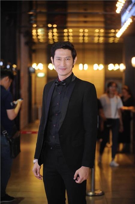 Lật Mặt: Nhà Có Khách là sư hợp tác lần thứ 2 của nam tài tử điển trai Huy Khánh cùng đạo diễn - biên kịch Lý Hải