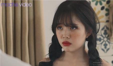 Ảo tưởng tuổi 17 (tập 6): Linh Ngọc Đàm vừa đi vừa khóc dưới mưa khi thấy crush và cô bạn thân 'Quỳnh búp bê nhí' tình tứ 4