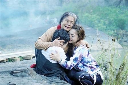 Nghệ sĩ Tú Trinh tiết lộ bí mật khiến cả đoàn phim 'Lật Mặt: Nhà có khách' phải 'nể sợ' 0