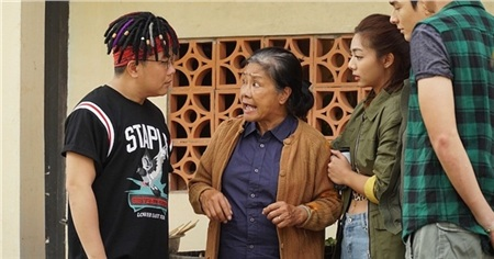 Nghệ sĩ Tú Trinh tiết lộ bí mật khiến cả đoàn phim 'Lật Mặt: Nhà có khách' phải 'nể sợ' 1