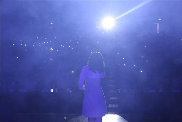 Ngoài ra, đêm chung kết còn có sự góp mặt của Xesi cùng 2 bản hit Túy âm và Vô tình
