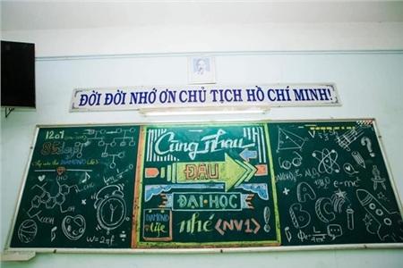 Lớp mình cùng nhau đỗ đại học nguyện vọng 1 nhé. Ảnh: Nguyễn Phùng Hưng Thịnh.