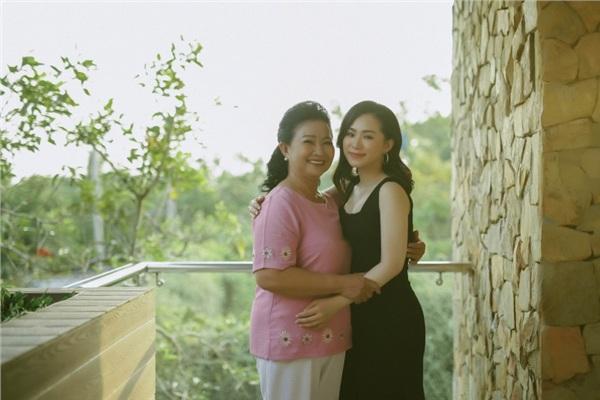 Lương Bích Hữu kết hợp Bùi Công Nam ra mắt MV mới về mẹ 4