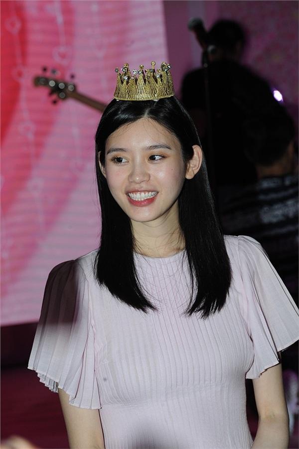 Màn cầu hôn hoành tráng nhất lịch sử Cbiz đã thuộc về thiếu gia sòng bạc Macau và chân dài Victoria's Secret 4