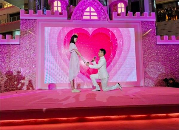 Màn cầu hôn hoành tráng nhất lịch sử Cbiz đã thuộc về thiếu gia sòng bạc Macau và chân dài Victoria's Secret 6