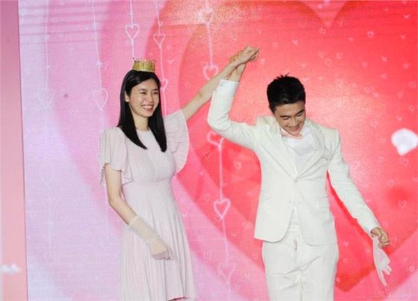 Hà Du Quân hạnh phúc khoe: 'Cô ấy nói có'