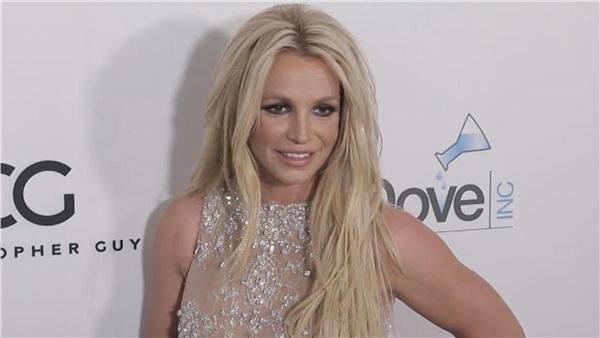 Công chúa nhạc Pop sẽ không giải nghệ lúc này đâu nhé.