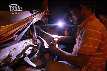 Chú Minh 'cô đơn' ở Sài Gòn: Cuộc sống không vợ không con và 20 năm ròng vá xe miễn phí cho sinh viên 10