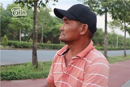 Chú Minh 'cô đơn' ở Sài Gòn: Cuộc sống không vợ không con và 20 năm ròng vá xe miễn phí cho sinh viên 12