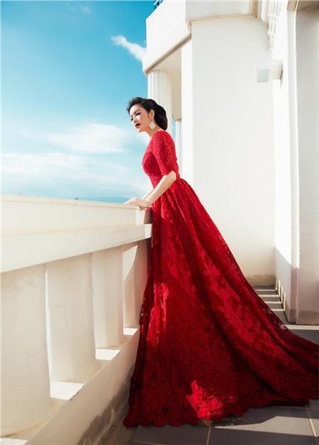 Các mùa trước, Lý Nhã Kỳ đã chứng minh đẳng cấp trên thảm đỏ Cannes bằng những trang phục này 11