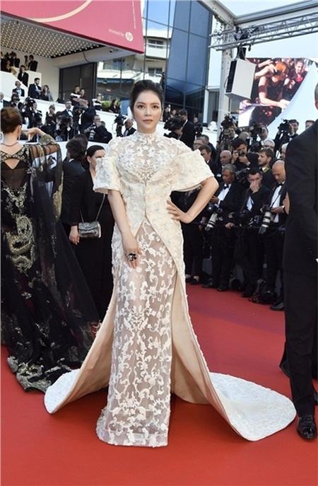 Các mùa trước, Lý Nhã Kỳ đã chứng minh đẳng cấp trên thảm đỏ Cannes bằng những trang phục này 14