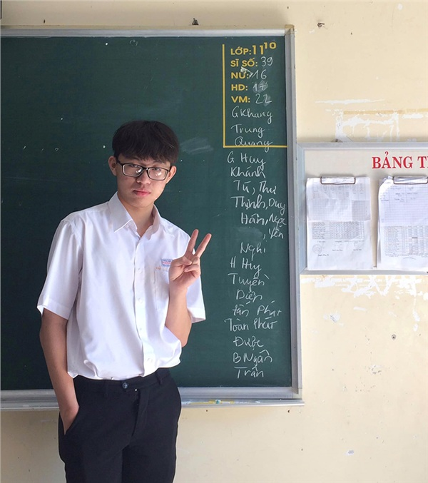 Bức ảnh sau ít giờ đăng tải lên một diễn đàn chuyên về học đường đã thật sự gây sốt khi nhận được gần 50k like.