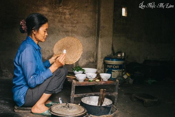 Loạt kênh ẩm thực 'cây nhà lá vườn' đồng loạt 'đổ bộ' Youtube thu hút giới trẻ Việt 6