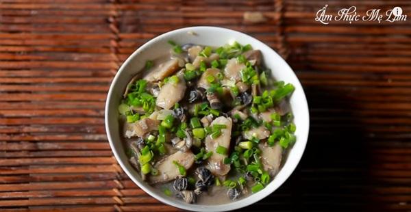Những món ăn mang đậm nét đặc trưng ẩm thực làng quê Việt khiến bất kỳ ai khi xem cũng cảm thấy bồi hồi khó tả.