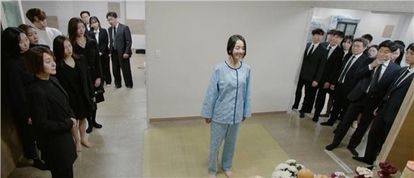 Lạnh gáy với nụ cười đầy ám ảnh của Shin Hye Sun trong 'Sứ mệnh cuối của thiên thần' 1