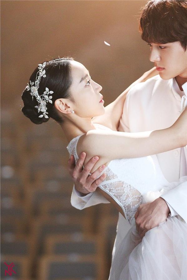 Lạnh gáy với nụ cười đầy ám ảnh của Shin Hye Sun trong 'Sứ mệnh cuối của thiên thần' 4