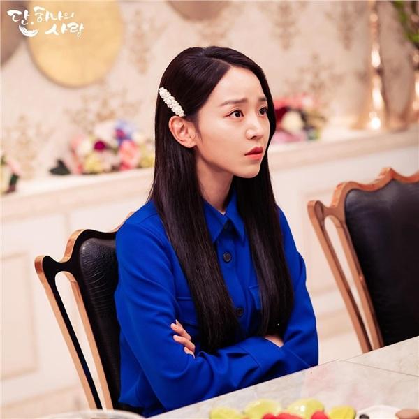 Yeon Seo nổi giận, đuổi mọi người về