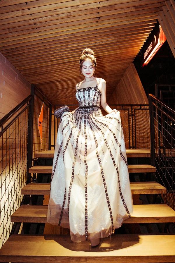Thời gian tới, Tuyết Nga sẽ ra mắt một loạt sản phẩm âm nhạc được cô đầu tư và thực hiện trong hơn nửa năm. Giọng ca xứ Thanh hi vọng sẽ nhận được sự ủng hộ của khán giả.