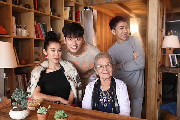 Đầu tư làm phim, 'người tình' Hari Wonchi hơn 200 triệu tiền trang phục 5