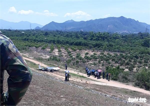 NÓNG: Rơi máy bay quân sự ở Khánh Hòa, 2 phi công tử nạn 1