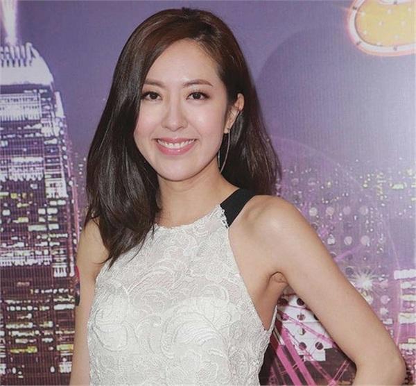 Là một diễn viên nổi tiếng của TVB nhưng Đường Thi Vịnh lại không gặp thuận lợi trong đường tình duyên