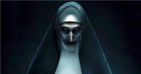 Búp bê ma Annabelle còn có hẳn một dàn chị chị em em gây 'náo loạn' Vũ trụ điện ảnh The Conjuring 1