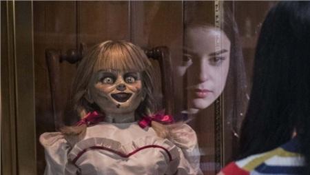 Búp bê ma Annabelle còn có hẳn một dàn chị chị em em gây 'náo loạn' Vũ trụ điện ảnh The Conjuring 2