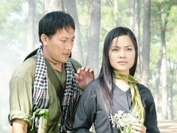 Dù đóng 'vai phụ' trong cuộc hôn nhân nhưng trên màn ảnh Kiều Thanh lại đóng toàn 'vai chính' 4