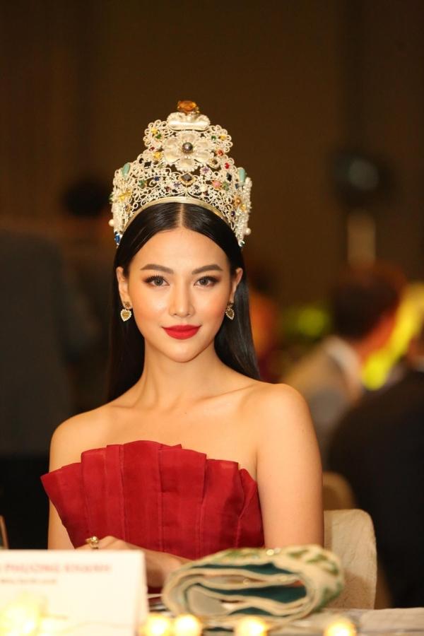 Ngay sau khi đăng quang, các nàng hậu Việt nói gì về tin đồn mua giải? 5