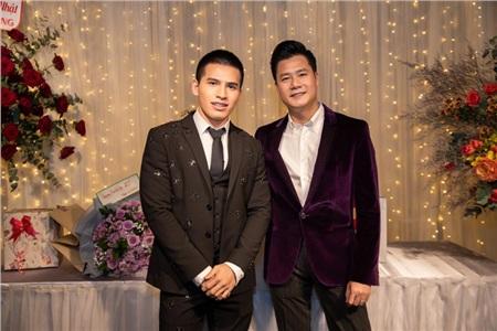 Hoa hậu Thu Hoài diện đầm đắt đỏ, gợi cảm đến chúc mừng sinh nhật ca sĩ Quang Dũng 6