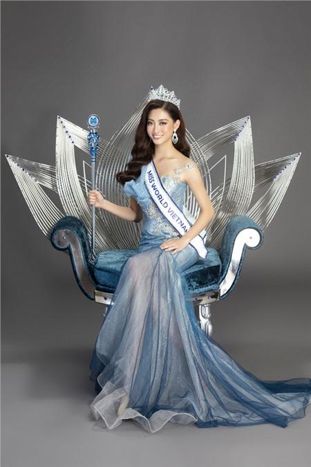 Hoa hậu Lương Thùy Linhquyền lực bên quyền trượng và chiếc ghế đăng quang.